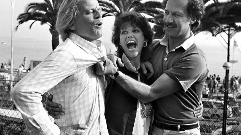 """Los actores Klaus Kinski y Claudia Cardinal y el director Werner Herzog posan en el Festival de Cine de Cannes, donde presentaban la película alemana """"Fitzcarraldo"""".(AP)"""