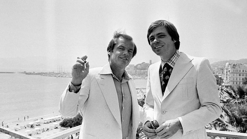 """El actor Jack Nicholson y el productor Gerald Ayres posan durante el Festival de Cine de Cannes en la Riviera francesa, donde presentaban la película estadounidense """"The Last Detail"""".(AP)"""