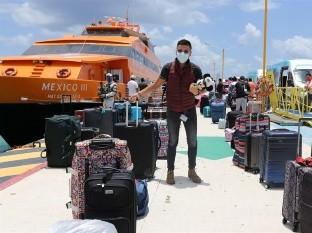 El alcalde de Cozumel informó que los trabajadores que bajaron del barco son originarios de diversos estados del país.