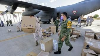 Llegan 7 toneladas de material para combatir pandemia en hospitales militares de Sonora