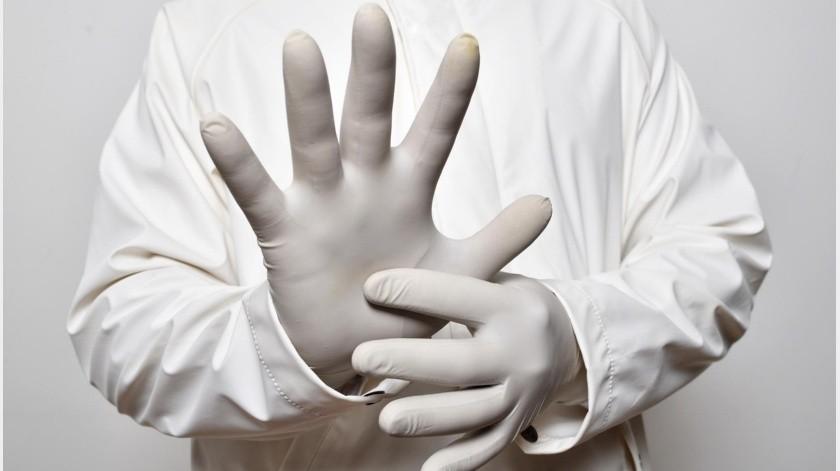 """Vestidos de enfermeros del IMSS roban a personas mayores al """"atenderlos en casa""""(Pixabay / Ilustrativa)"""