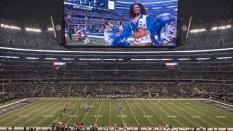 Juegos sin fanáticos en los estadios, dejaría pérdidas a la NFL por hasta 5.5 mil millones, según reporta Forbes.