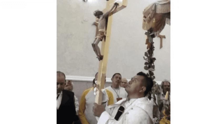 Este viernes, el arzobispo de León, Alfonso Cortés Contreras, hizo un llamado a cuidar la vida mutuamente y eso lo tiene que hacer la familia, las parroquias y las comunidades.(Especial)