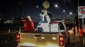 El sacerdote de la Parroquia San Miguel Arcángel, Jorge Echegollén Flores es uno de los 20 padres de la Arquidiócesis de Tijuana que  recorren nosocomios públicos y privados.