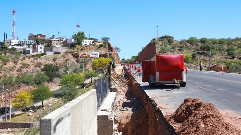 Continúan con los trabajos de modernización en el periférico Luis Donaldo Colosio de Nogales.(Especial)