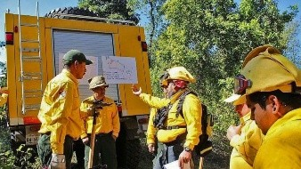 Donan herramientas para luchar contra incendios