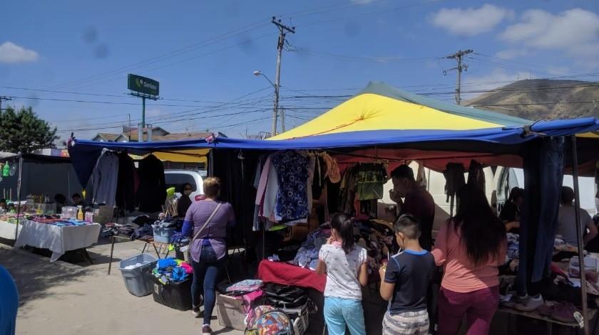 Se realiza operativo en mercados sobrerruedas de Tijuana.(Cortesía)