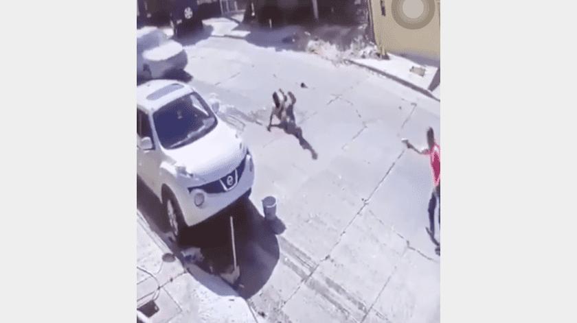 VIDEO: Balean y atropellan a un hombre para asesinarlo en Tijuana