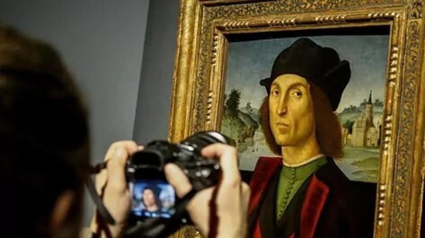 Reina Isabel extiende préstamo de obras del pintor Rafael a Italia