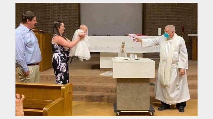 Ahora con la pandemia de COVID-19 los servicios religiosos han tenido que tener modificaciones.