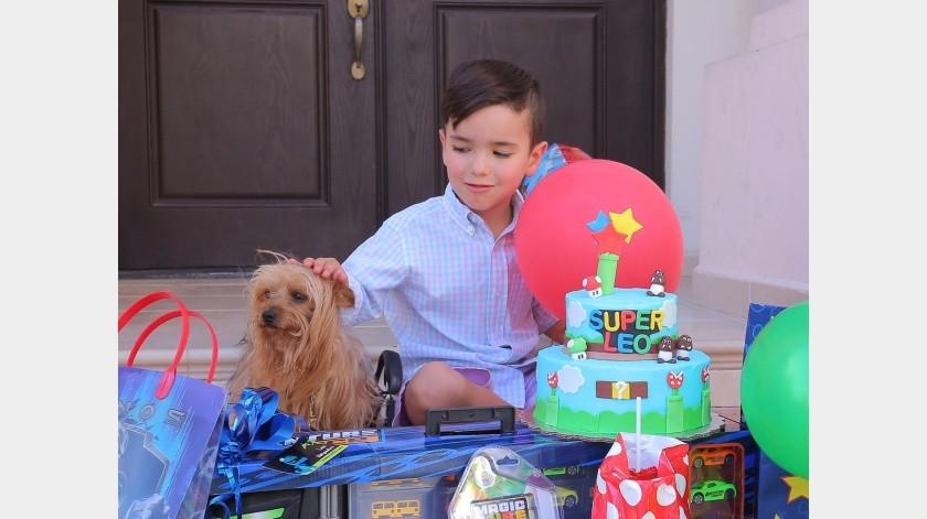 Leonardo recibe desfile sorpresa para celebrar su sexto cumpleaños(Alejandro Carbajal)