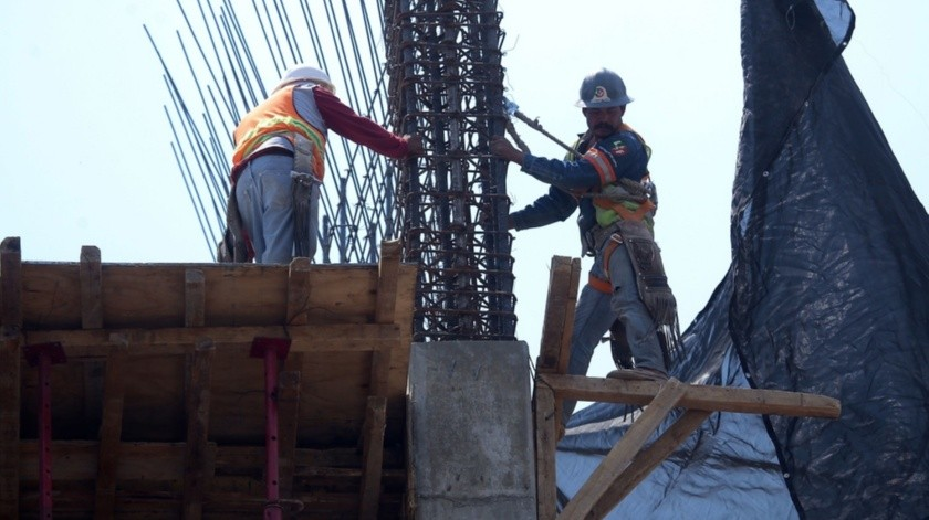 En marzo de 2020 el personal ocupado total en la industria de la construcción disminuyó 2.2% con relación a febrero pasado.(Agencia Reforma)