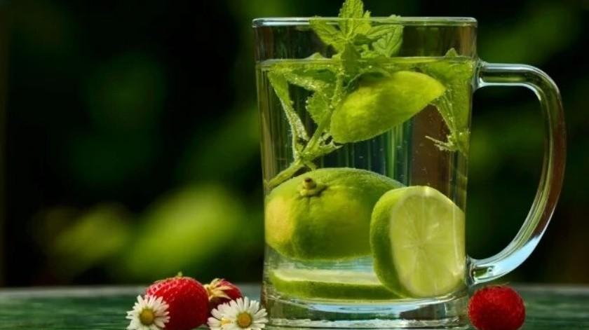 Para qué sirve tomar agua de hierbabuena
