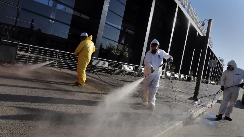 """ovid Busters"""" han luchado contra el virus en las calles y espacios públicos de Tijuana.(Sergio Ortiz)"""