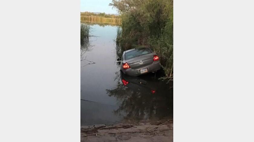 Tras persecución aseguran auto y droga cerca de Yuma(Cortesía)