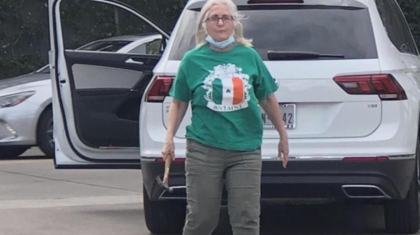 Cordovez estaba con su esposa, la Dra. Lia Franco, en el momento del incidente. Tanto Cordovez como Franco son originarios de Ecuador, pero viven en Nueva Orleans.