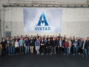 La secuela de Avatar se tuvo que detener en exteriores por la pandemia, pero pudo continuar en interiores.
