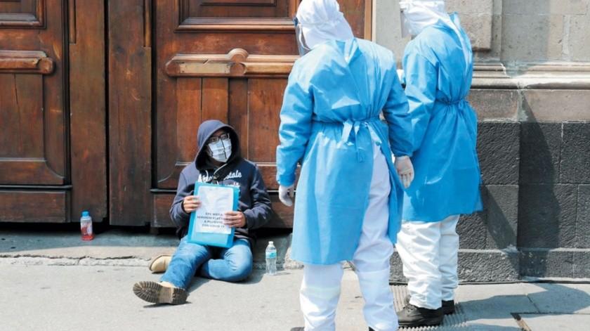 Ayer se alcanzaron los 81 mil 400 casos de coronavirus confirmados y las 9 mil 44 defunciones por la enfermedad.