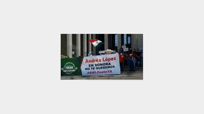 Esta marcha formó parte de un movimiento nacional para pedir que el Ejecutivo dimita a su cargo el 30 de noviembre.(Especial)