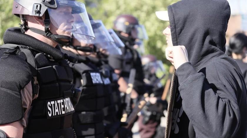 Reportan disturbios entre policía y manifestantes en los alrededores de la Casa Blanca(EFE)