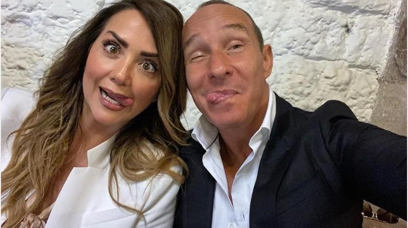 Erik Rubín platica cómo le hace para convivir con su esposa Andrea Legarreta durante la cuarentena y no pelear.(Instagram: erikrubinoficial)