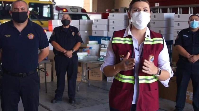 Recibe Gobierno Municipal donativo para protección de Policía y Bomberos(Cortesía)