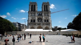 Notre Dame forecourt reopening after lead pollution