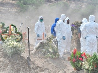 No place for graves: pandemic forces to expand cemetery in central Mexico