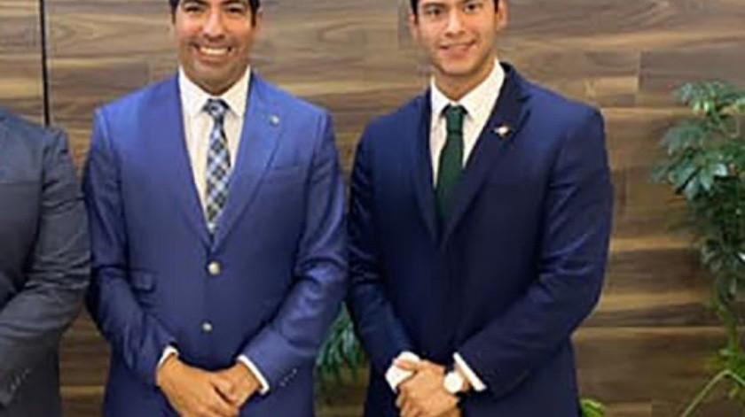 Jorge Eduardo Vega Zamora junto con el alcalde de Ensenada, Armando Ayala Robles.(Tomada de la red)