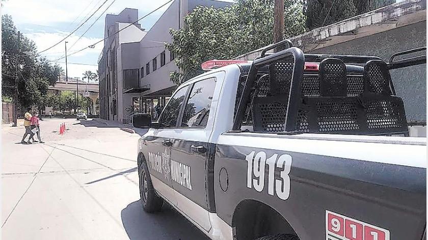 Con una herida de proyectil de arma de fuego fue hospitalizado un hombre quien informó que fue interceptado y agredido por un grupo de sujetos armados cuando paseaba por las calles de Santa Cruz, Sonora.(Especial)