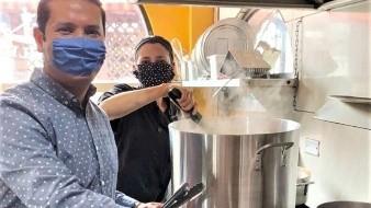 Muchos empresarios gastronómicos han donado cientos, tal vez miles de raciones de alimentos para apoyar los filtros sanitarios, personal médico, policías y a personas de escasos recursos durante la pandemia.