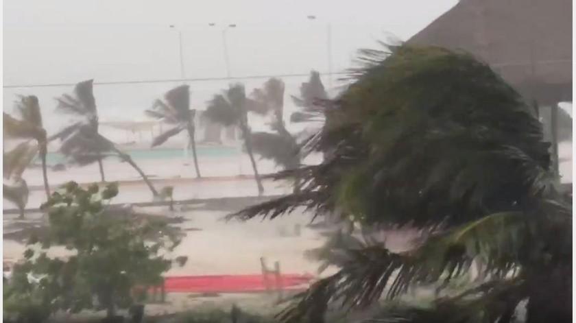 VIDEO: 'Cristobal' azota con vientos y lluvias a Campeche(Captura de video)