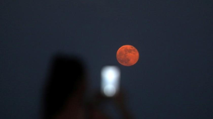 """Esta semana dará lugar un eclipse penumbral, por lo que podremos ver la """"luna de fresa""""(Tomada de la red)"""