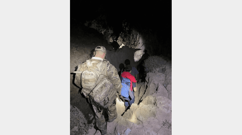 Rescatan a cuatro migrantes en zona montañosa de Imperial(Cortesía)
