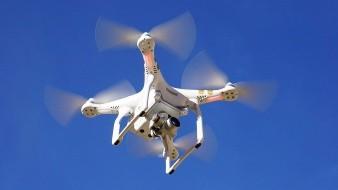 Dron cruza frontera con droga; detienen a adolescente que juntaba paquetes