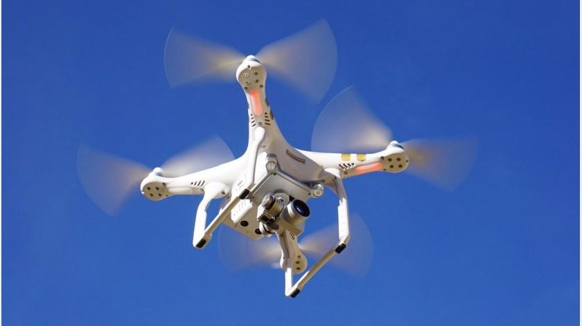 Con un dron cruzaron la frontera y arrojaron paquetes de drogas en un vecindario, donde un menor de 17 años quiso ocultarlos pero fue detenido.(Pixabay-Ilustrativa.)