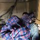 Trailero llevaba a migrantes escondidos