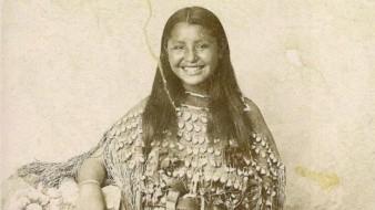Una extraña fotografía de alguien sonriendo en el siglo XIX