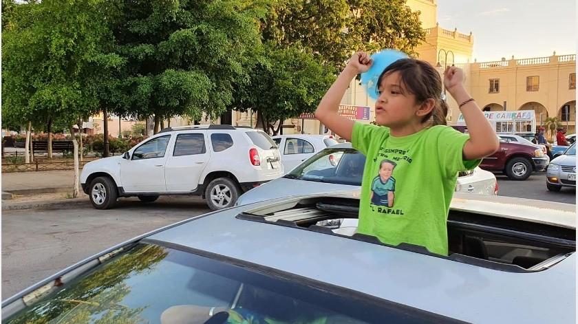 Los padres recorrerán de la plaza Niños Héroes a la guardería ABC.(Eleazar Escobar)
