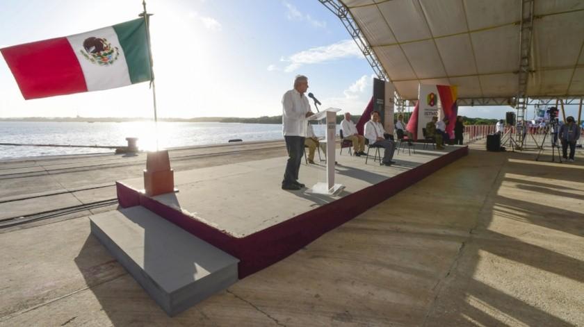 El Presidente de México recordó que en los más de 3 mil kilómetros de la frontera norte se cobra la mitad del IVA.