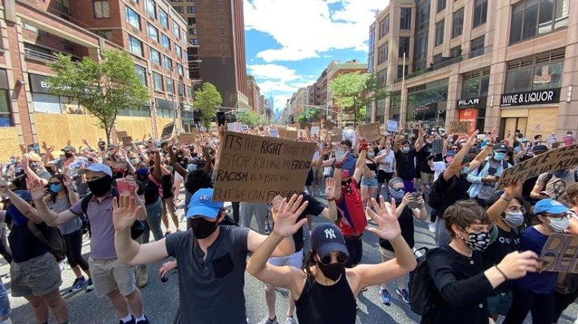 Nueva York aprueba nuevas medidas policiales en otro día de protesta(EFE)