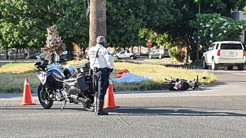 Motociclista pierde la vida tras chocar contra camioneta en la colonia Pitic(GH)