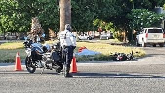 Motociclista pierde la vida tras chocar contra camioneta en la colonia Pitic