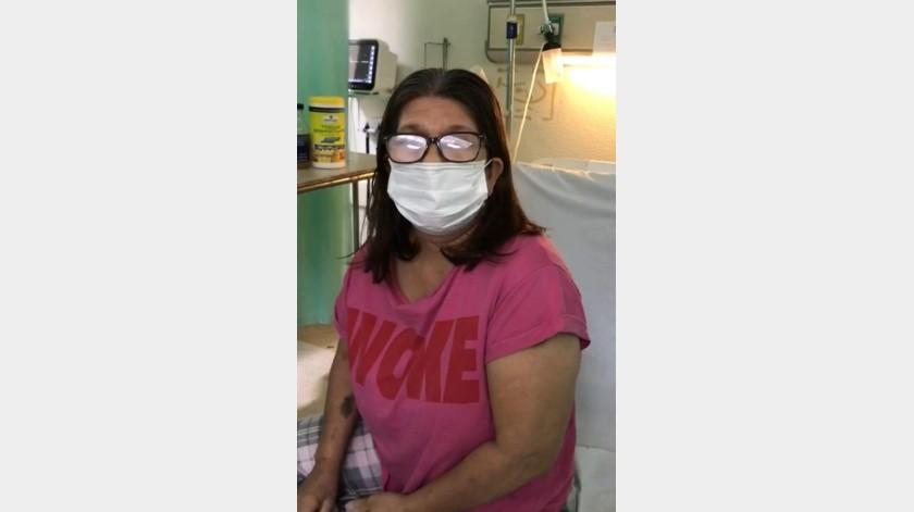 El director del Hospital General explicó que la paciente, de 59 años de edad, llegó con dificultad para respirar, fiebre, dolor de cabeza y garganta, todo esto con 5 días evolución.