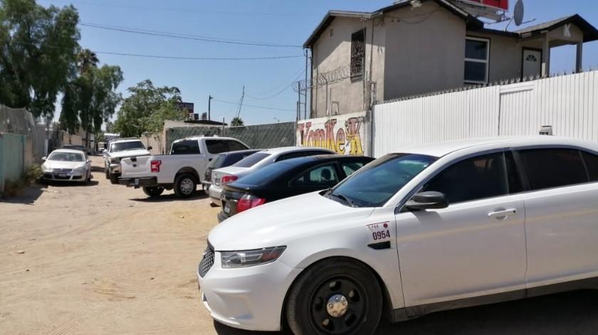 Hallan cadáver dentro de auto remolcado en la colonia Moreno(Margarito Martínez)