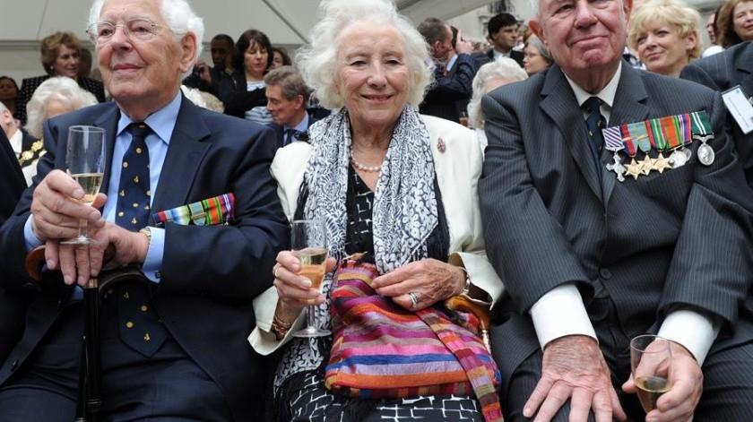 Muere Vera Lynn, artista que motivó a soldados de la Segunda Guerra Mundial