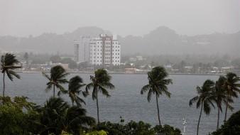 La capa de polvo es tan densa que ha afectado la visibilidad en muchas partes de la isla.