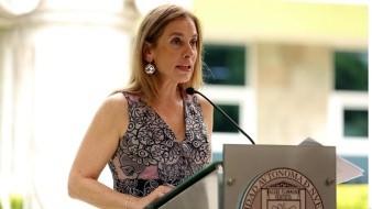 Pasajero cuestiona a Beatriz Gutiérrez Müller por su