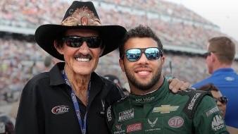 Richard Petty, legendario piloto de NASCAR muestra su apoyo a Bubba Wallace