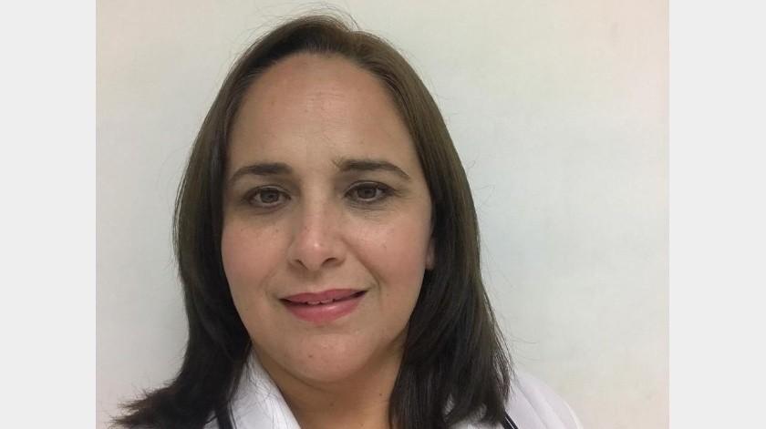 La doctora Karla Córdova González ofrece consultas gratis en línea.